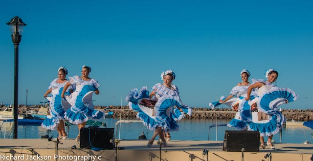 Beautiful-Folkloric-Dancers-at-the-Loreto-Clam-Festival